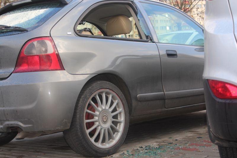 dewastacja pojazdów Sokola w Lubinie (14)