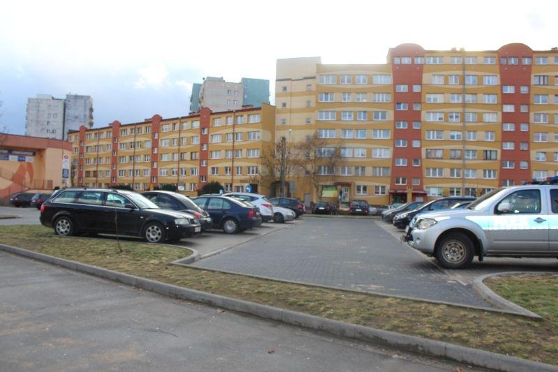 dewastacja pojazdów Sokola w Lubinie (17)