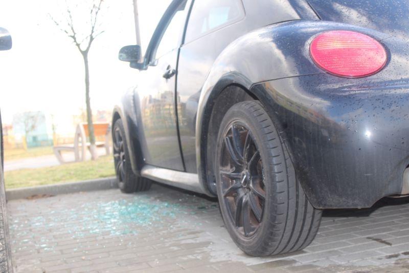 dewastacja pojazdów Sokola w Lubinie (7)