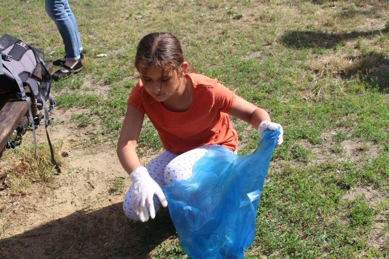 sprzątanie parku (1)